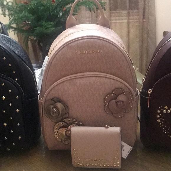 06d8ee85e018a8 Michael Kors Bags | Cute Light Pink Book Bag Set W Tags | Poshmark